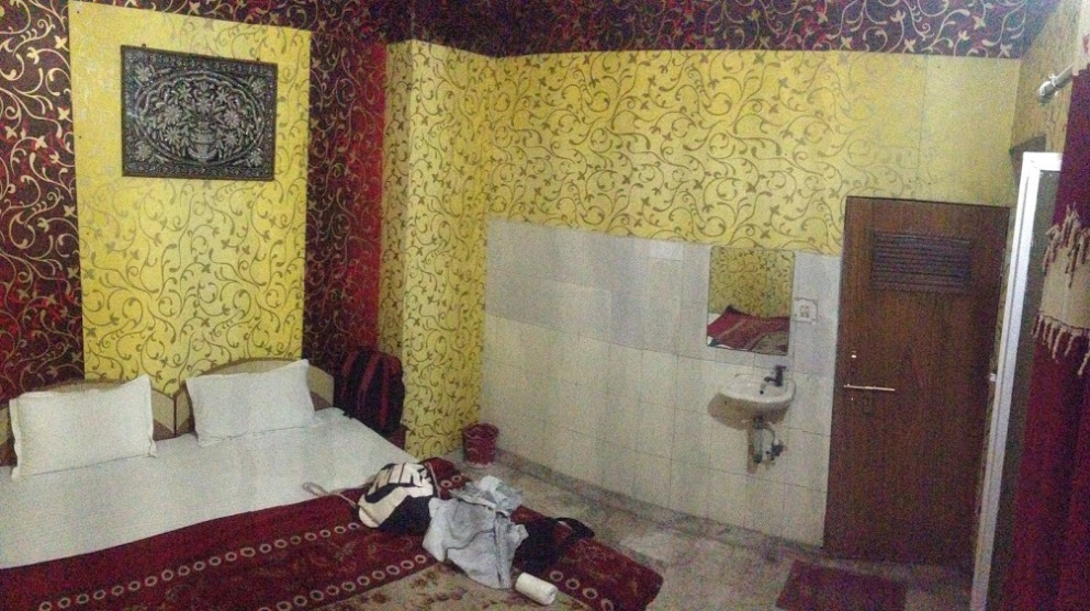 Room with awful wallpaper in agra